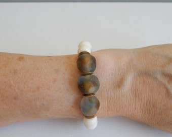 White bone beads with blue and brown swirled recycled glass beads, beach chic, neutral, summer fashion, stretch bracelet, brass beads
