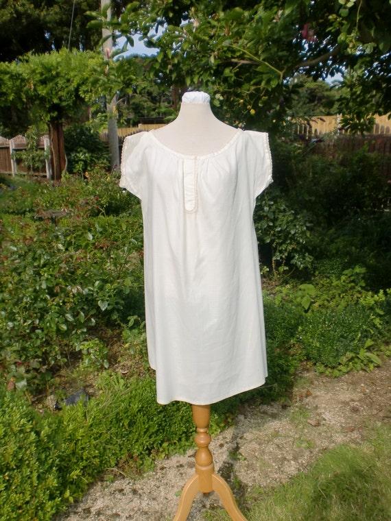 Victorian Lingerie – Underwear, Petticoat, Bloomers, Chemise Victorian ChemiseVictorian Chemise $122.13 AT vintagedancer.com