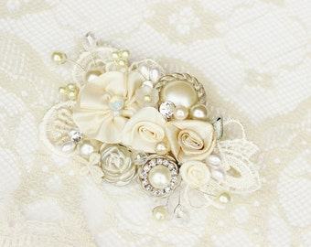 Bridal Hairpiece- Hair Accessory-Pearl and rhinestone Comb- Vintage Inspired Bridal Comb- Lace Hair Comb- Wedding Hairpiece- Fascinator