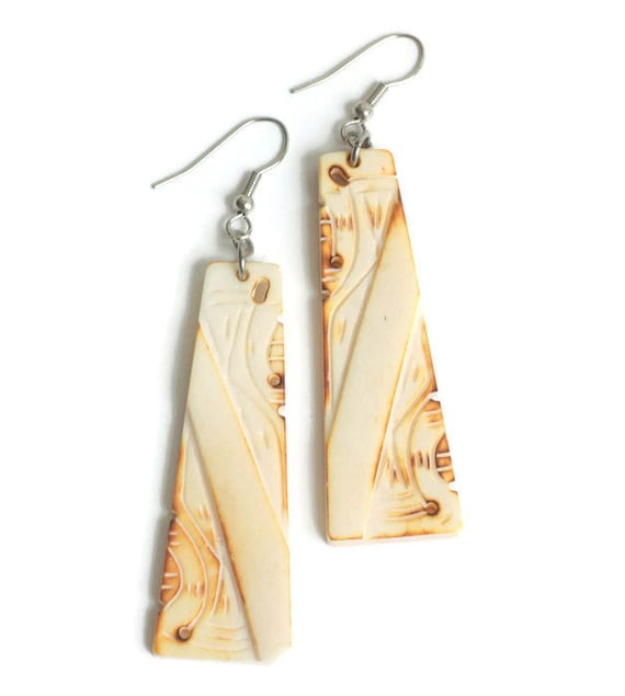 Tribal Design Dangle Earrings Carved Burn Out Design Simulated Bone Drop Pierced Earrings