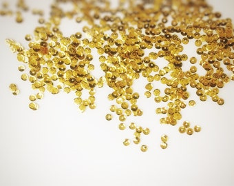 Gold Shimmering Party Packs Shinny Sparkling Holographic Sequins in lot ( 5mm)