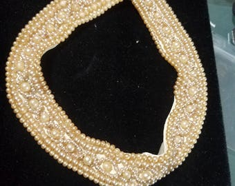 Beautiful Vintage 50s Faux Pearl Collar