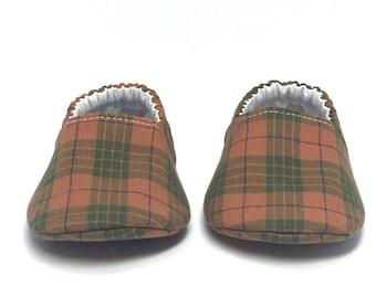 3-6mo RTS Baby Moccs: Pumpkin & Basil Plaid / Crib Shoes / Baby Shoes / Baby Moccasins / Vegan Moccs / Soft Soled Shoes / Montessori Shoes