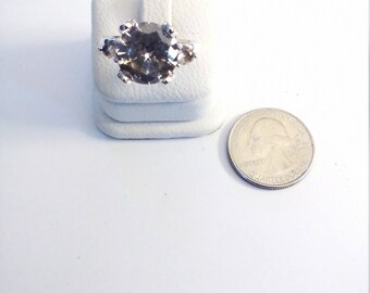 Vintage Sterling Silver Large Center Cubic Zirconia 3 Stone Ring, size 7