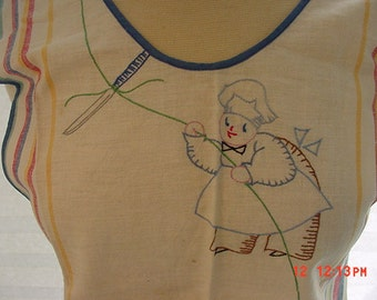Vintage Linen Hand Embroidered Apron With Chiefs On It   16 - 525