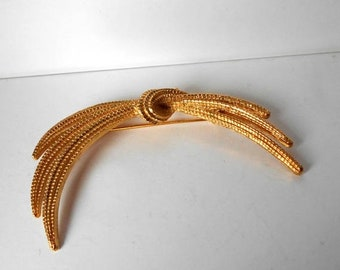 Vintage Monet Wheat Sheaf Brooch Pin Gold Tone Signed