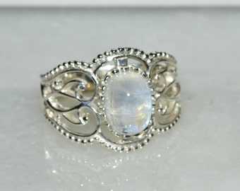 Beautiful Natural Moonstone and Sterling Silver Ring, size 6.5