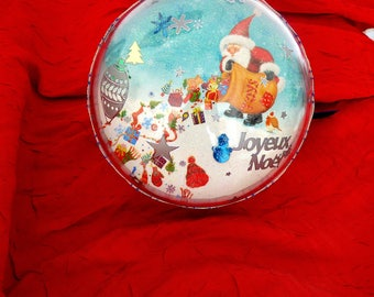 ball clear 3D Santa, penguins, red and blue towel