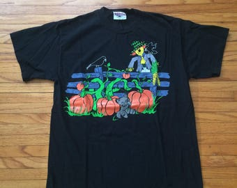 Vintage Halloween Kitten and Scarecrow Black Halloween Holiday T-Shirt