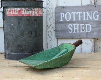 Grain Scoop / Farmhouse Decor / Rustic Decor / Primitive Decor / Vintage Garden tool / Feed Scoop / Vintage / Vintage Scoop / Rustic Scoop