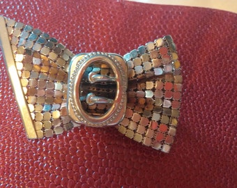 Beautiful Vtg Gold Metal Mesh Bow Brooch Campy 1940's Pin Jewelry Collector