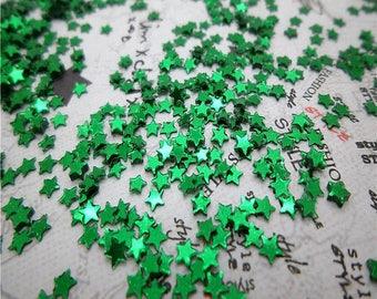 Pack of 2000 dark green star glitter