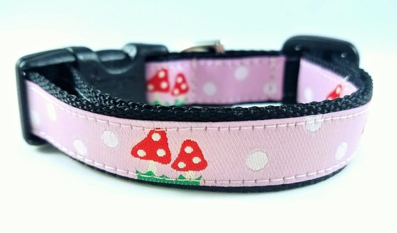 Tiny Mushrooms - Dog Collar / Teacup Collar / Mini Dog Collar / Small Dog Collar / Girl Dog Collar / Mushrooms / Woodland / Polka dots