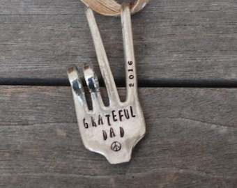 GRATEFUL DAD 2018 hand stamped Peace Sign Ornament made from Recycled Vintage Fork hangs on Rustic Burlap with dots  ribbon  Christmas Tree