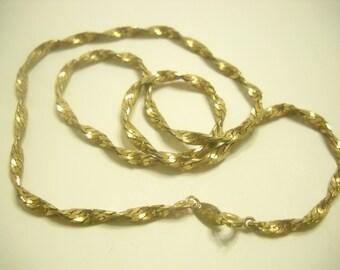 """Vintage 17"""" Trifari Chain Necklace (2813)"""