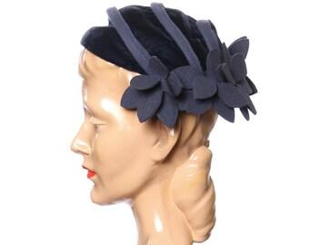 vintage 1930s tilt hat • felt flowers and blue velvet cap