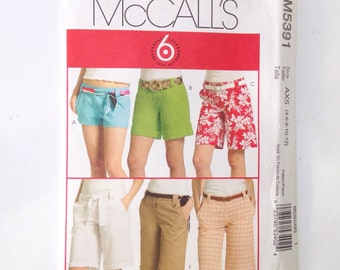 McCall's M5391 ladies soring summer shorts sewing pattern size 4 6 8 10 12. Handmade.