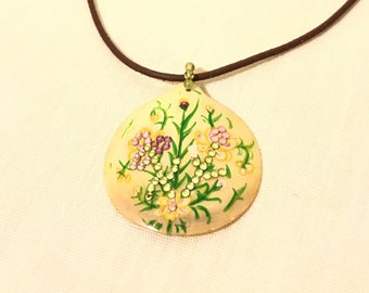 Chic Simplicity. hand-painted pendant necklace