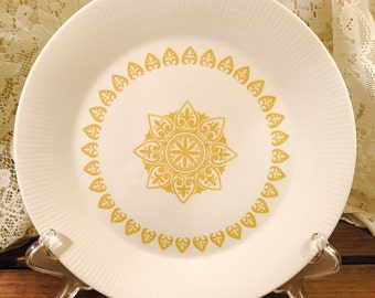 Sheffield Dinner Plate in Serenade Pattern - Made In USA - Yellow White