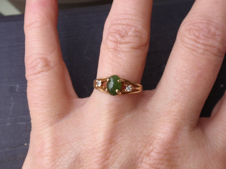 Vintage Oval Jade Ring Ladies Green Nephrite chrysoprase Multi