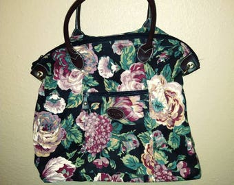 sustainable fashion Floral pattern vintage Sasson bag / purse weekender overnight bag