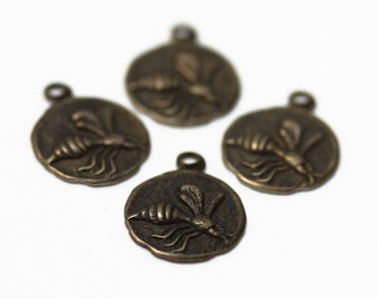 Charms - Lot of 4, Antiqued copper stamped bee 9.5mm - JD133