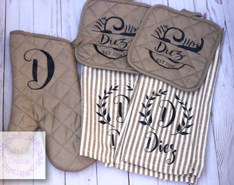 Personalized (2) tea towels, 2 pot holders and oven mitt
