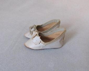 Antique Doll Shoes, Blue/Gray Paper
