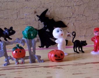 itty bitty plastic novelty halloween figurines