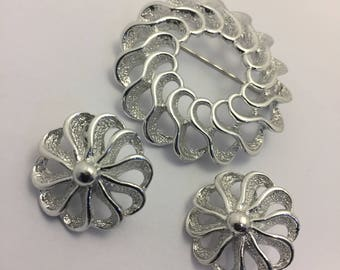 Sarah Coventry Fashion Round Brooch & Earring Set Vintage Lot 236