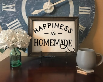 Happiness is Homemade // Home Decor // Wall Sign // Farmhouse Style // Happy Quote // Housewarming Gift // Rustic Distressed Sign//