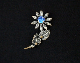 Vintage Brooch flower with Blue rhinestones stone * free shipping *