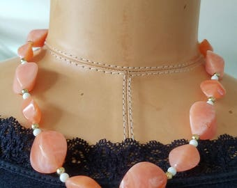 Stunning Vintage Orange Marbled Lucite Beaded Necklace, 10K Clasp Orange Beaded Lucite Necklace, Lucite Jewelry, Marbled Peach Necklace