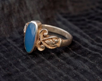 Vintage Silver Blue Chalcedony Leaf Ring  size O (7)