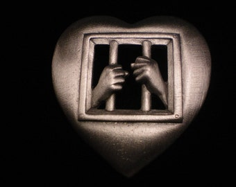 jj pewter pin HEART LOVE  BEAUTIFUL