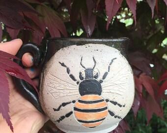 Honey Bee Mug with Floating Handle