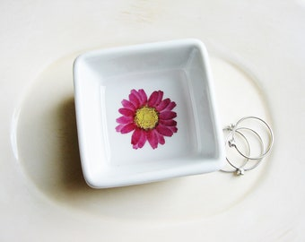 Purple Daisy Ring Dish, Pressed Flowers Jewelry Ring Dish, Jewelry Dish, Jewelry Organizer, Wedding Gift