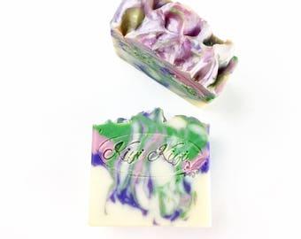 Lilac Soap, Lilac Goatmilk Soap, Pretty Purple Soap, Lilac Scented Bar Soap, Floral Scented Soap, Spring Soap, Gift For Mom, Purple Soap