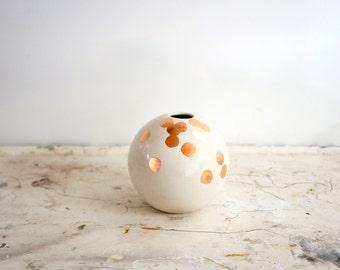 MADE TO ORDER - ball-weiß und Kupfer vase