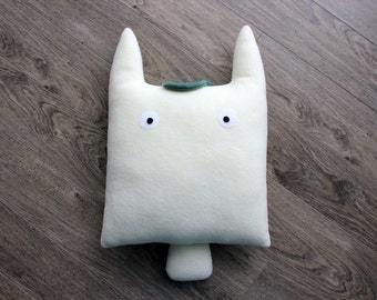 Totoro Cushion, (White), Totoro Pillow, Accent Cushion, Totoro Plush, Stuffed Animal, Totoro Toy, My Neighbor Totoro, Totoro Decor, Ghibli