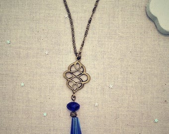 Chloe Blue glass beads pendant necklace