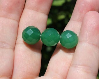 1 Pearl Emerald round faceted 12 mm AV19