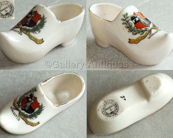Edwardian Art Nouveau Antique WH Smith & Sons Crested Ware China Shoe / Clog with Crest of Worcester c1900's (ref: 5002)