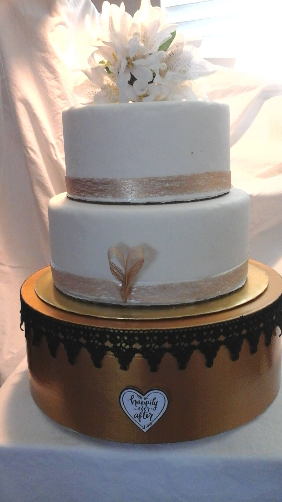 black gold white silver wedding cake stands