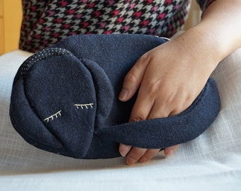 Wool dog clutch-bag, purse with detachable strap