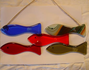 5 fish set fused glass bright colours. Also  bunting fish, 6 little fish hanging. Hang anywhere bathroom, shed, outside consevatory etc.