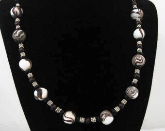 Handmade Beaded Swirls Necklace