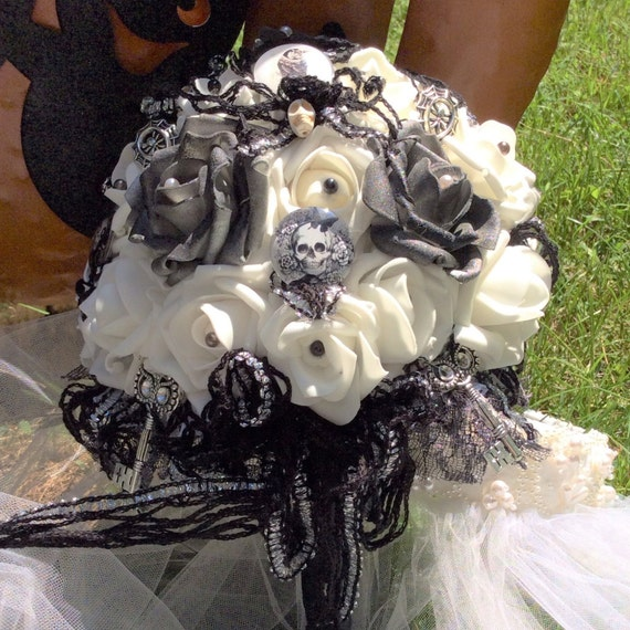 Skull Wedding Bouquet Gothic Bridal Flowers BlackWhite Day Of The Dead Halloween