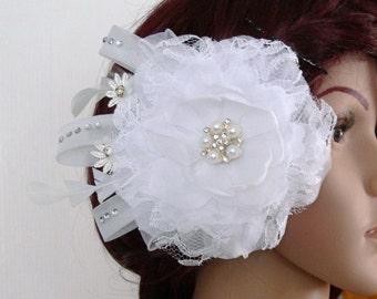 Fascinator, flower hair clip, hair accessories Bridal, Bridal jewelry, headpiece white bride, flower, rhinestone, hair comb, hair clip flower