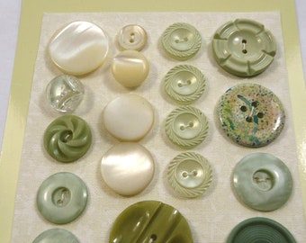 Vintage buttons - pale green and cream (Ref D234)